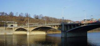Йираскув мост