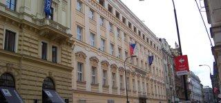 Улица Hybernská
