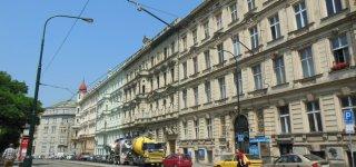 Улица Bolzanova