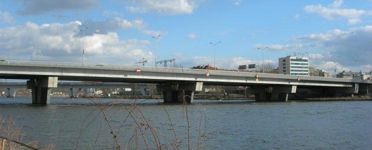 Мост Барикадников
