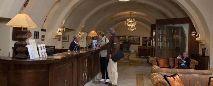 Отель Lindner Hotel Prague Castle