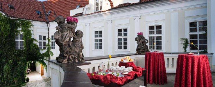 Отель Mamaison Suite Hotel Pachtuv Palace