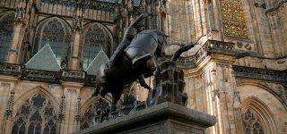 Фонтан святого Йиржи - Статуя Георгия Победоносца