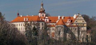 Замок Бела-под-Бездезем