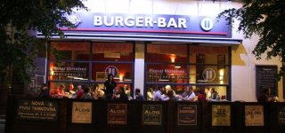 Пивная Vinohradský Burger Bar
