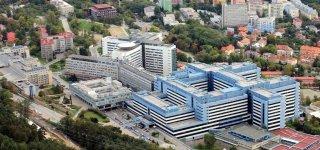 Университетская больница Мотол