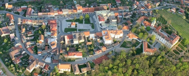 Замок Бенатки-над-Йизерой