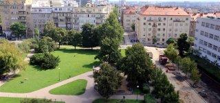Площадь Иржи из Лобковиц