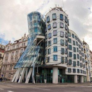 Современная Прага — от Танцующего дома до головы Франца Кафки