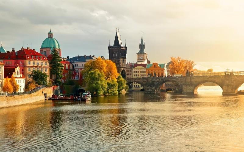 Погода в Праге осенью