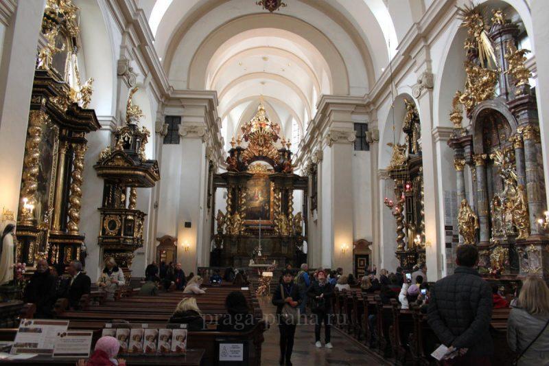 kostel-devy-marii-pobeditelnicy-1