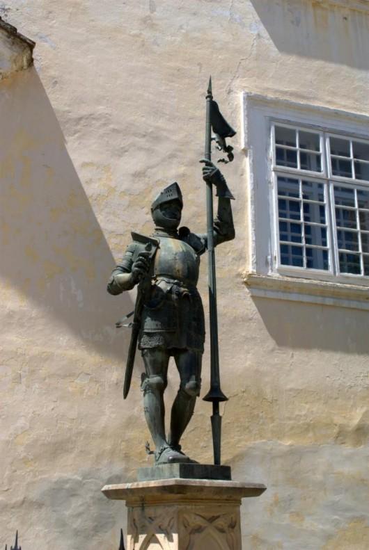 Замок Вранов-над-Дыей - статуя