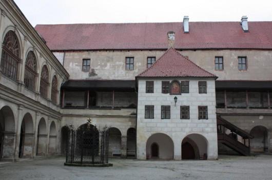 Замок Горшовский Тын -двор