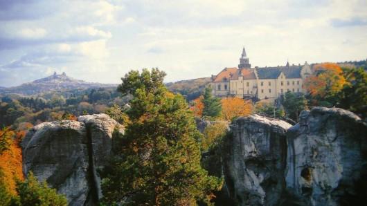 Замок Груба Скала - вид с боку