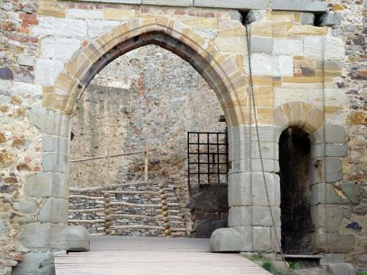Замок Точник - арка
