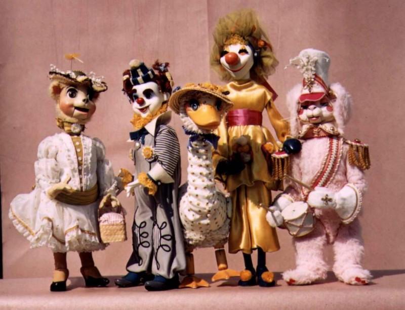 Национальный театр марионеток - куклы