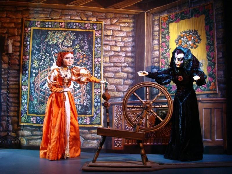 Национальный театр марионеток - сцена