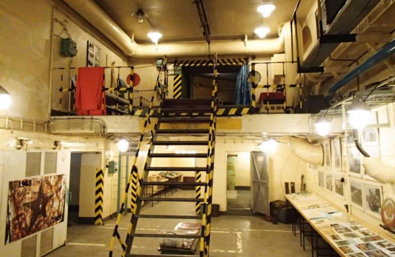 Атомный музей - лестница