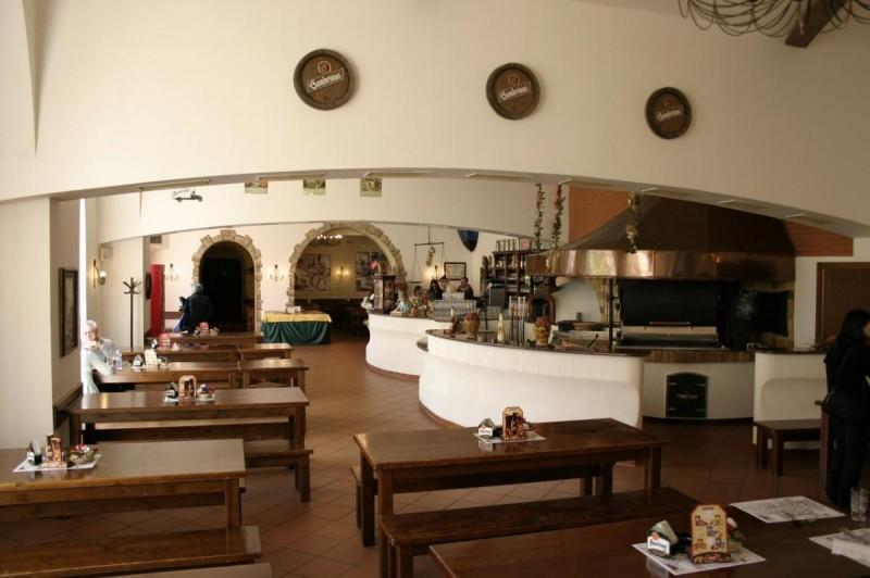 Velká klášterní restaurace - внтури