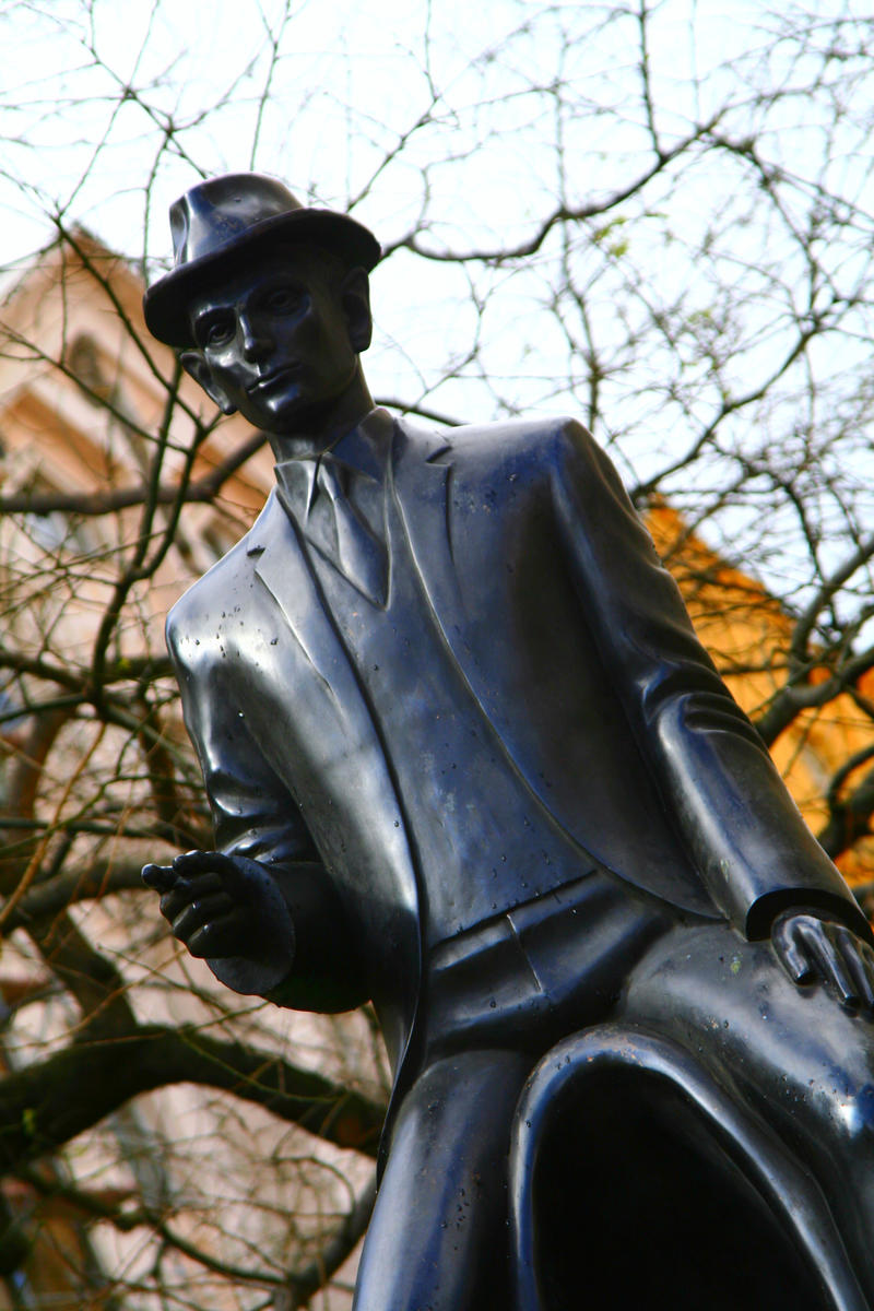 Памятник Францу Кафке 2
