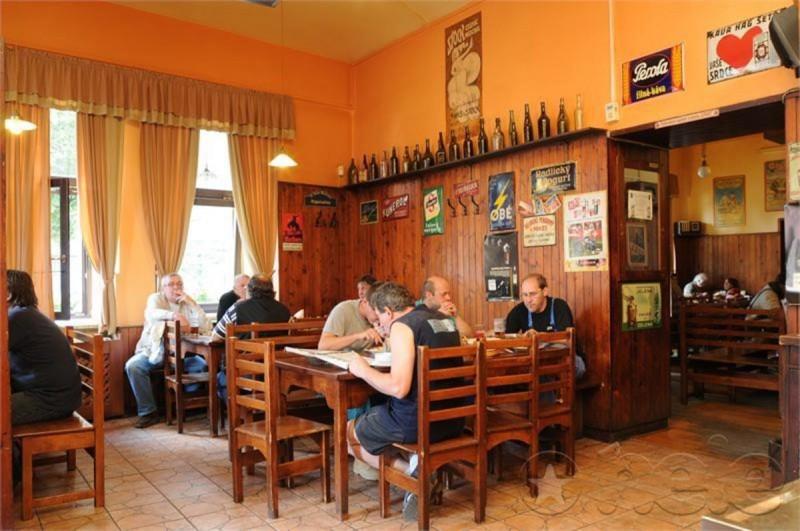 Пивная Dejvická sokolovna - зал