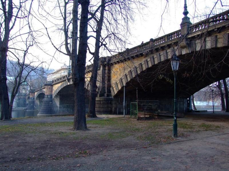 Стрелецкий остров - мост