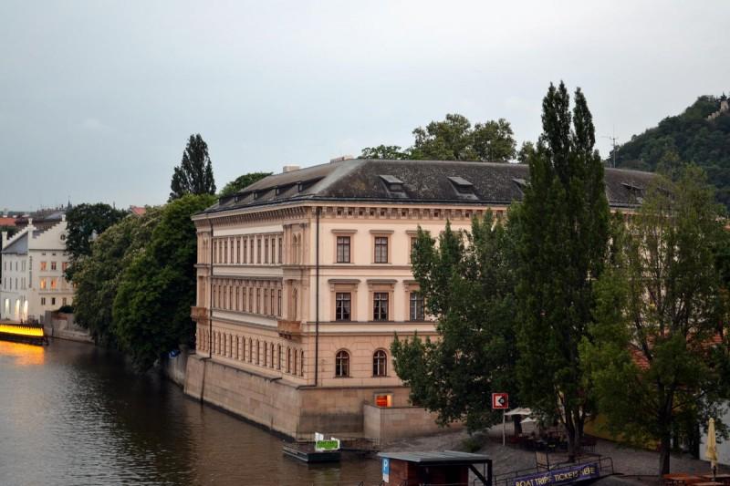 Лихтенштейнский дворец 2