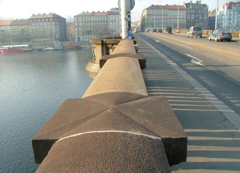 Мост Палацкого 8