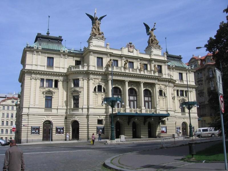 Театр на Виноградах 6