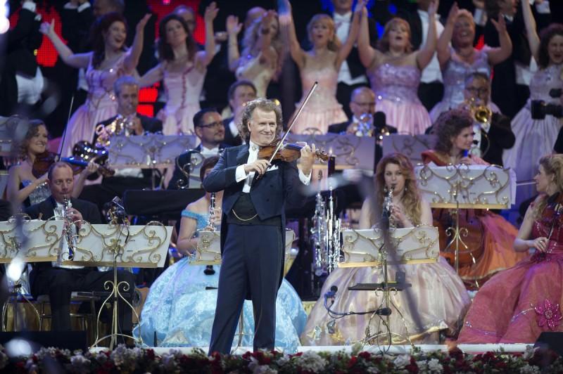 Андре Рье с оркестром в Праге 2