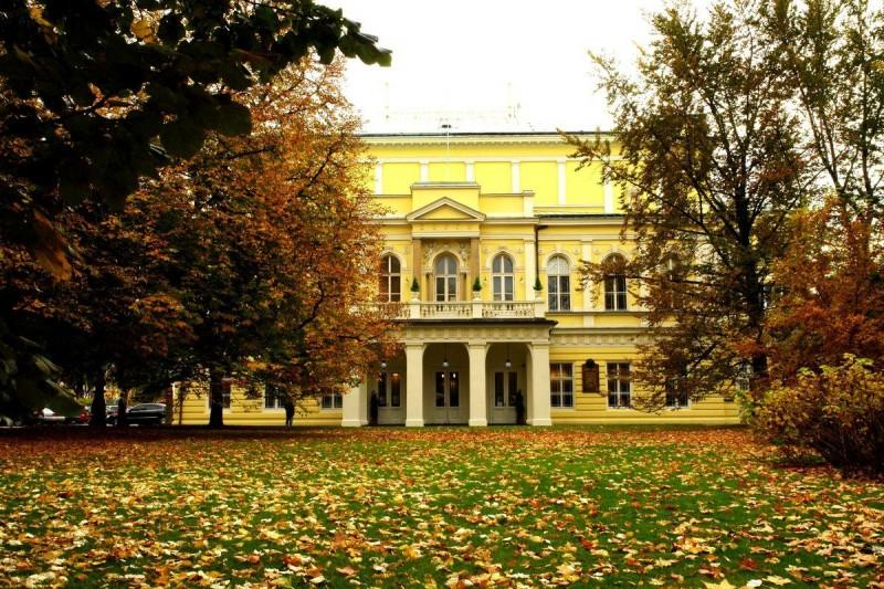 Дворец Жофин - осенью