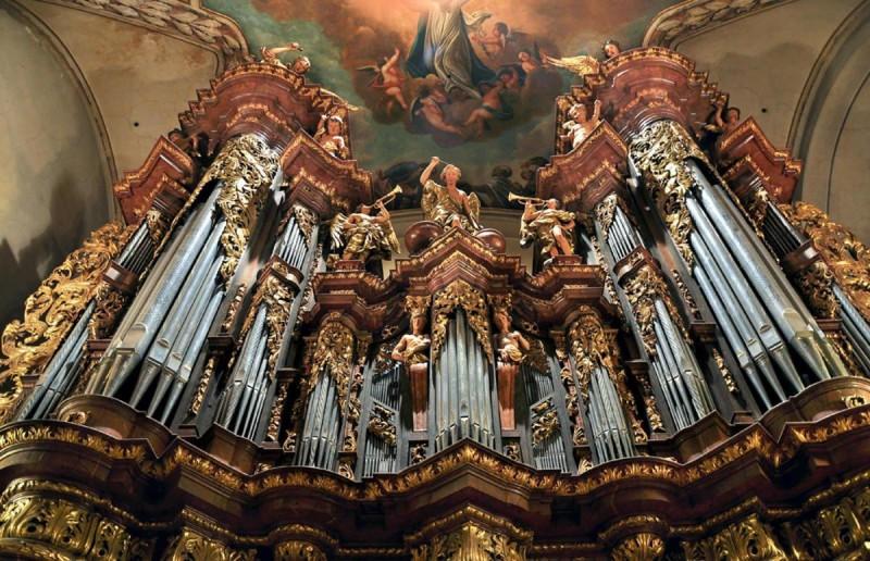 Костел Святого Якуба - внутри 3