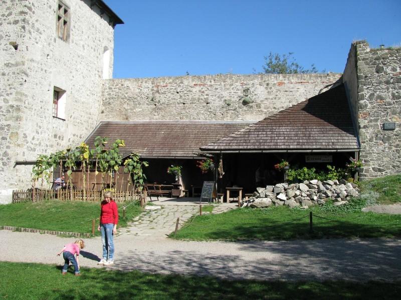 Замок Кунетицка Гора - внутри
