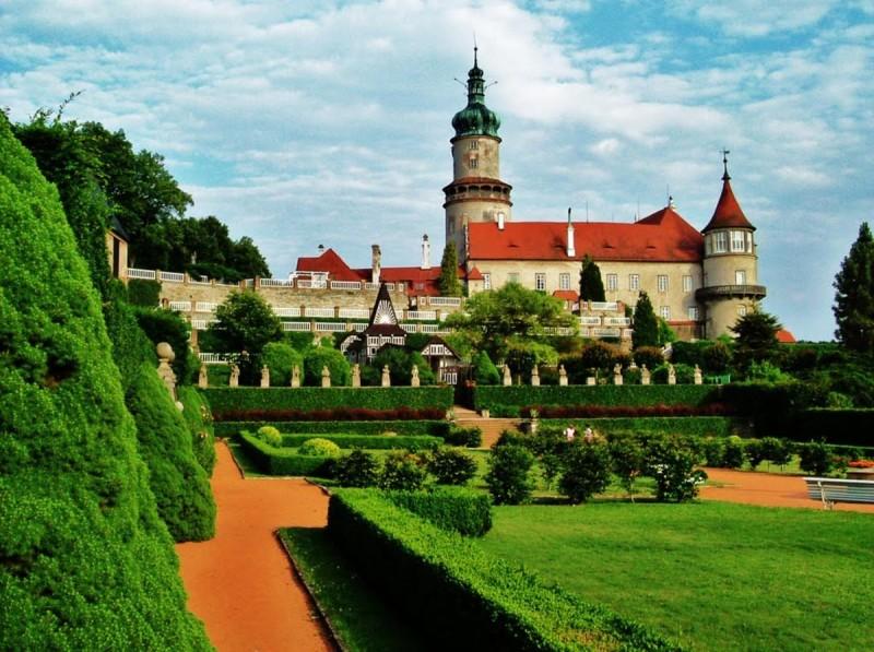 Замок Нове Место над Метуйей 2