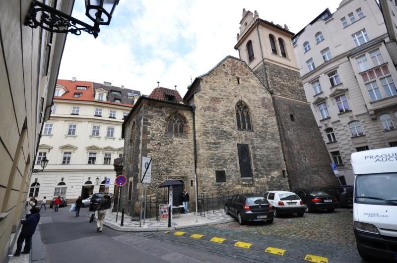 Костел святого Мартина в стене 2
