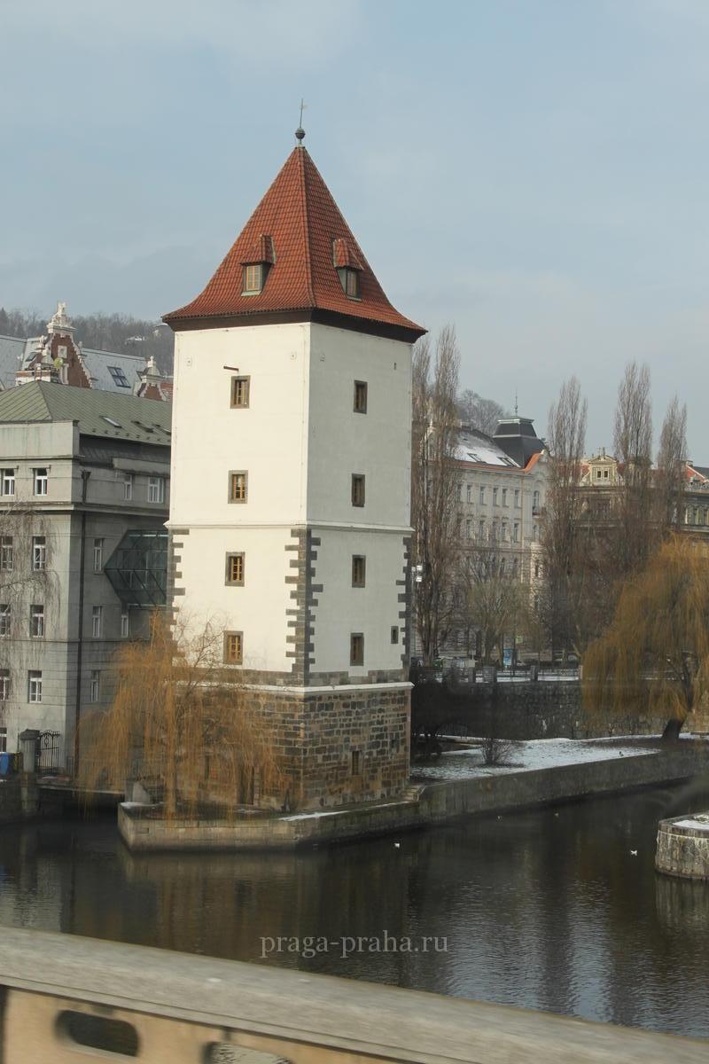 Малостранская водонапорная башня 1