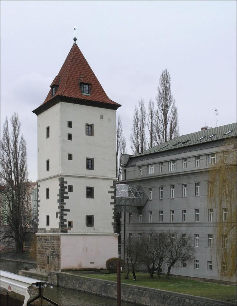 Малостранская водонапорная башня 4