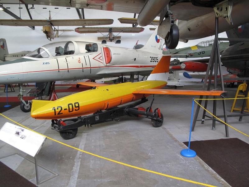 Музей авиации Кбелы 14
