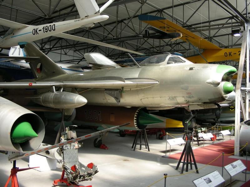 Музей авиации Кбелы 7