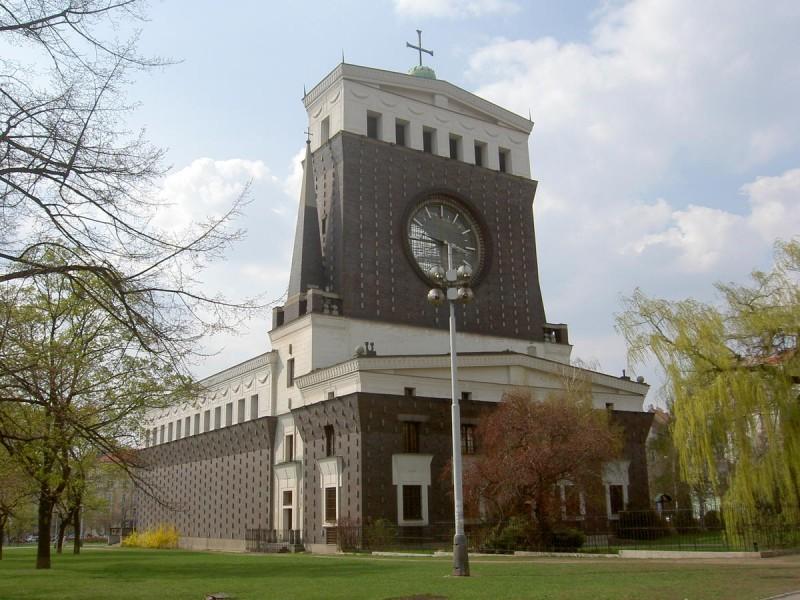 Церковь Пресвятого Сердца Господня 2