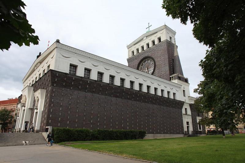 Церковь Пресвятого Сердца Господня 8