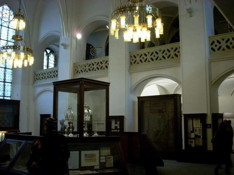 Майзелова синагога 10