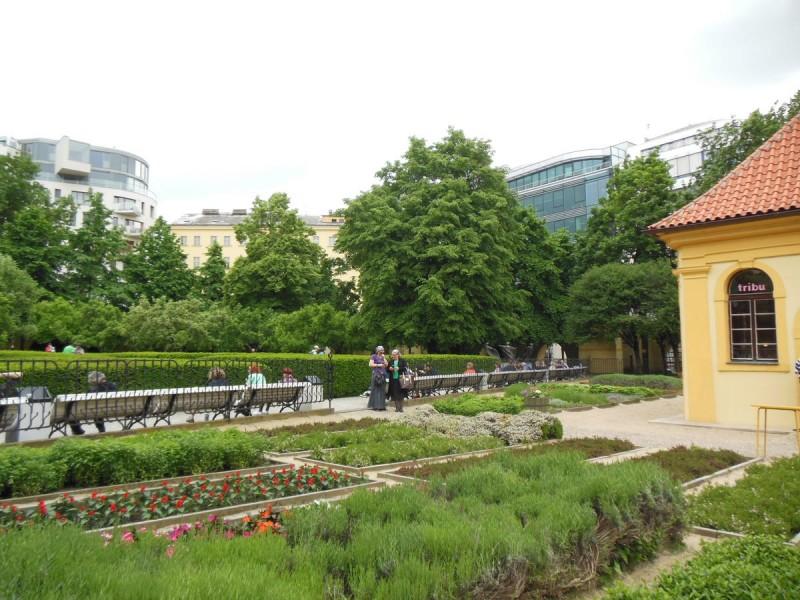 Франтишканский сад 4
