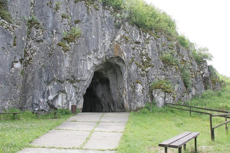 Пещера Балцарка - вход