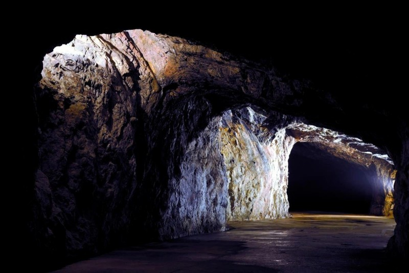 Пещера Выпустек