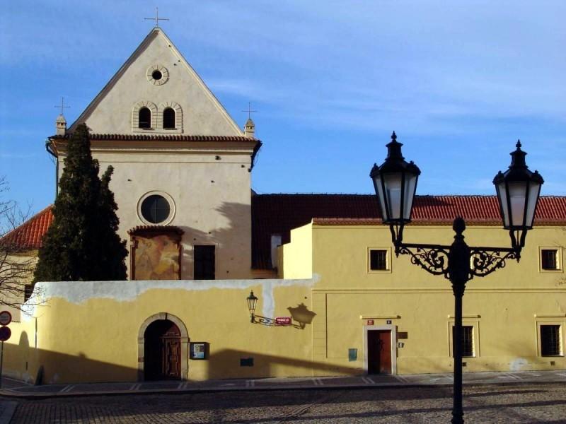 Костел Девы Марии Ангельской 3