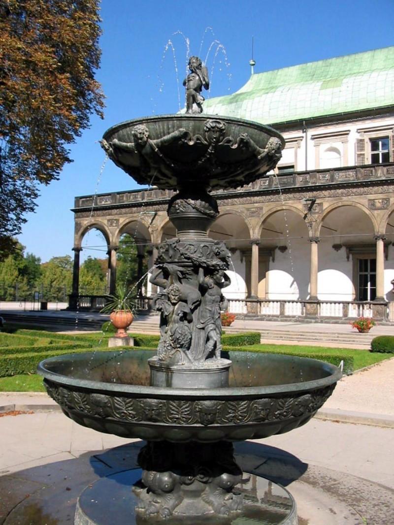 Летний дворец королевы Анны - фонтан