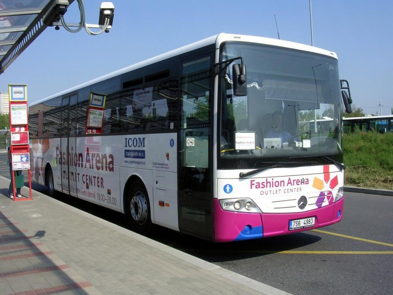 Fashion Arena Bus