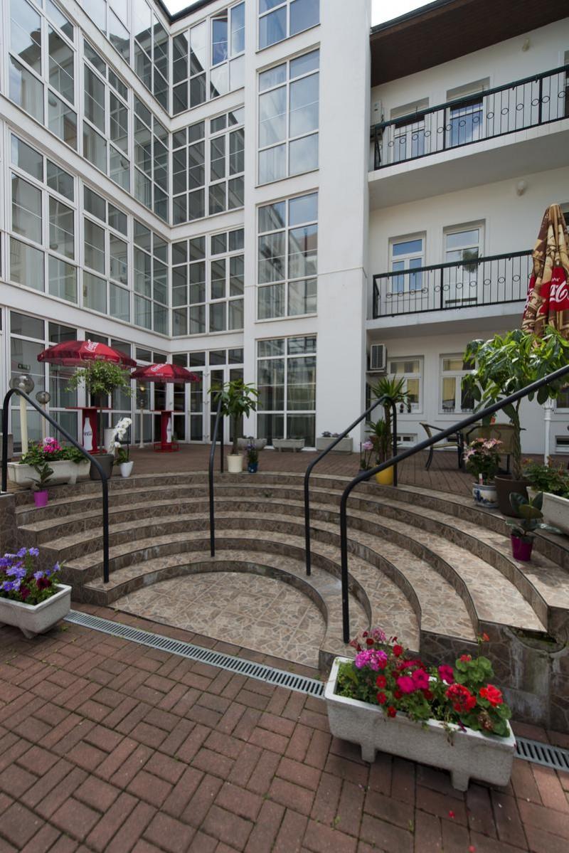 Отель Eurowings Hotel 7