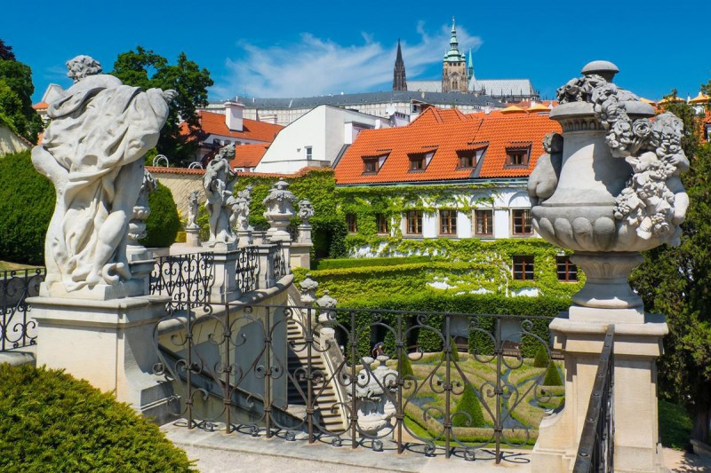 Вртбовский сад 10